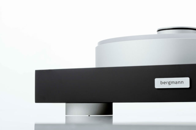 Magne Turntable Detail From Front With The Bergmann Logo