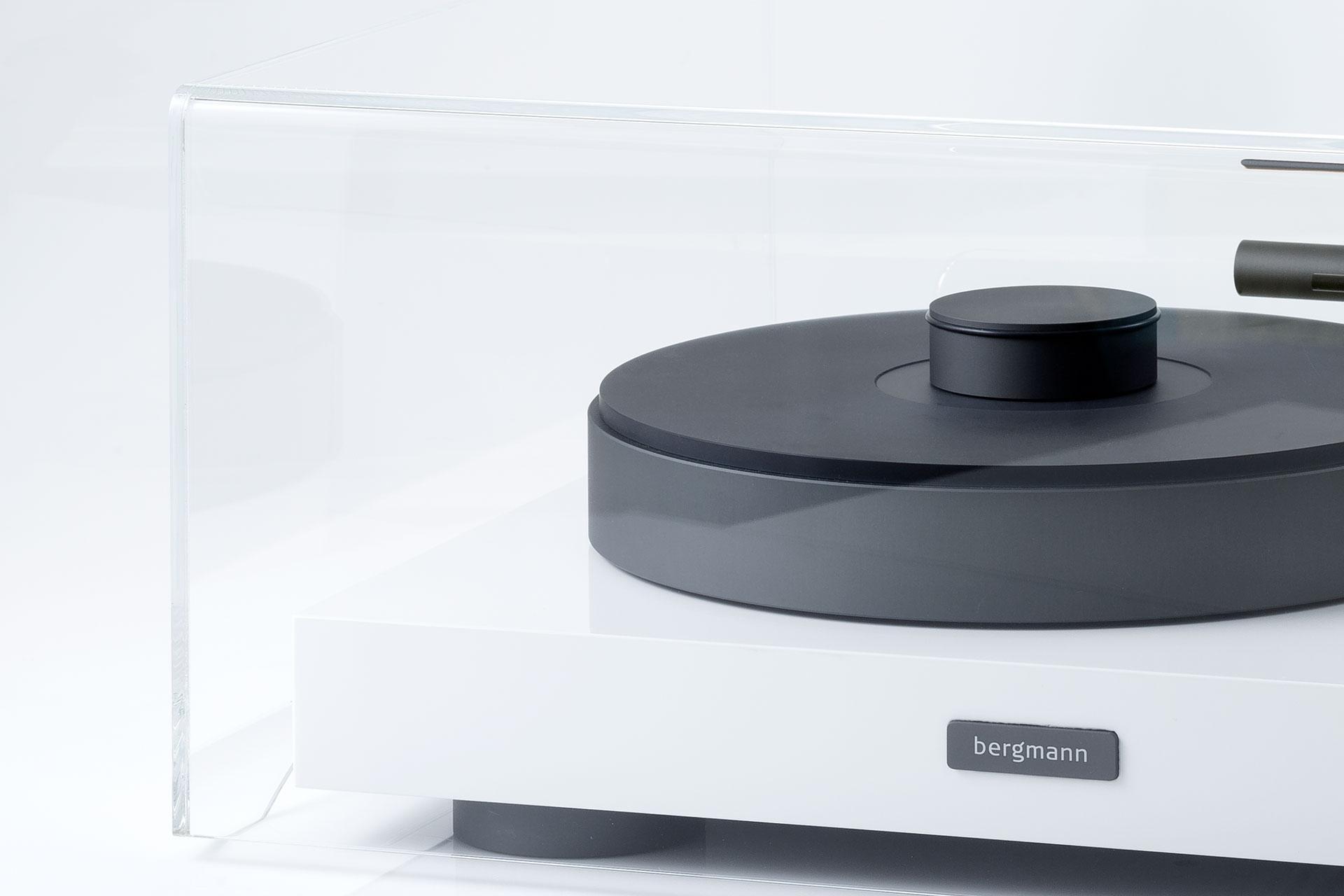 Product: Full cover for turntables. Danish Design from Bergmann Audio
